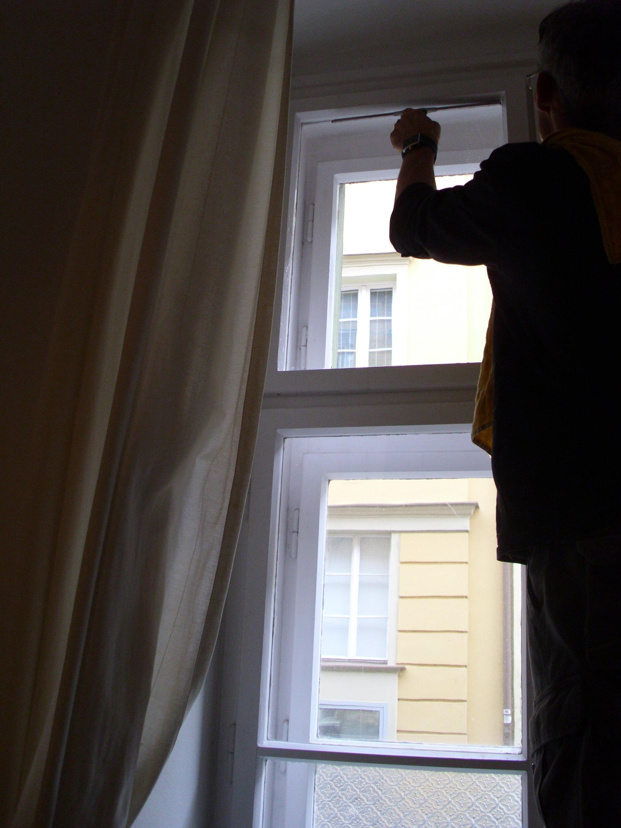 Umývanie okien v byte, domácnosti Bratislava